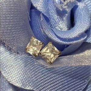 Brilliant CZ/SS stud earrings classic elegant fun!